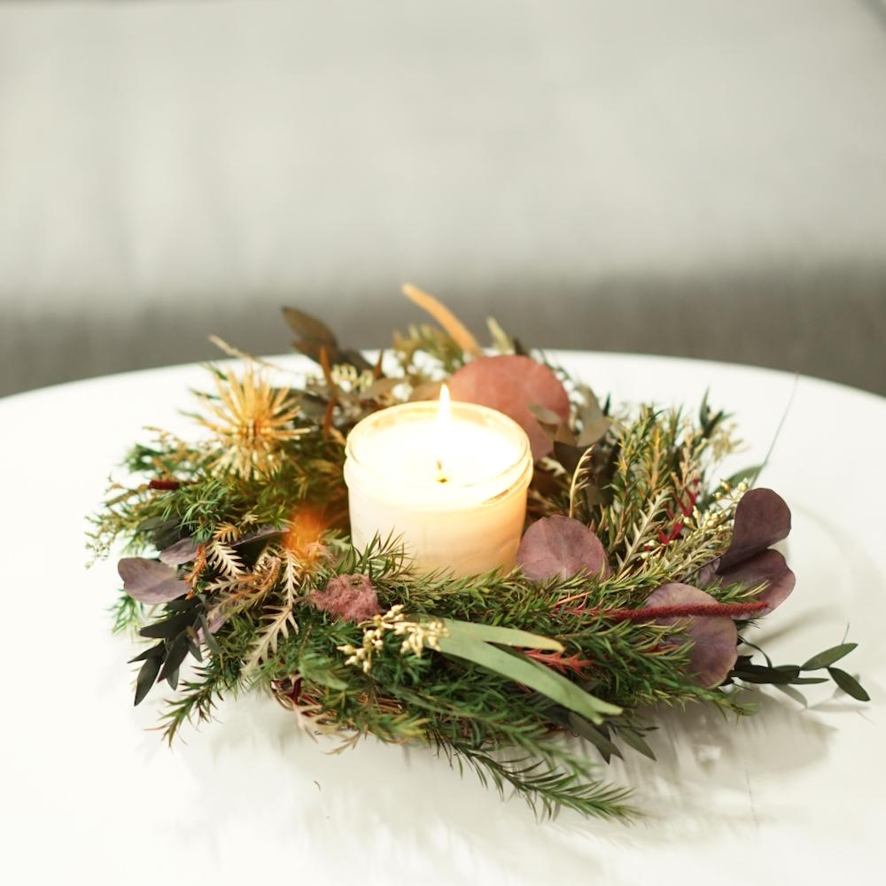 12월 특별한 날을 위한 리스, 꽃다발